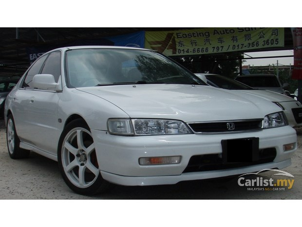 Honda Accord 2.2 1995 photo - 3