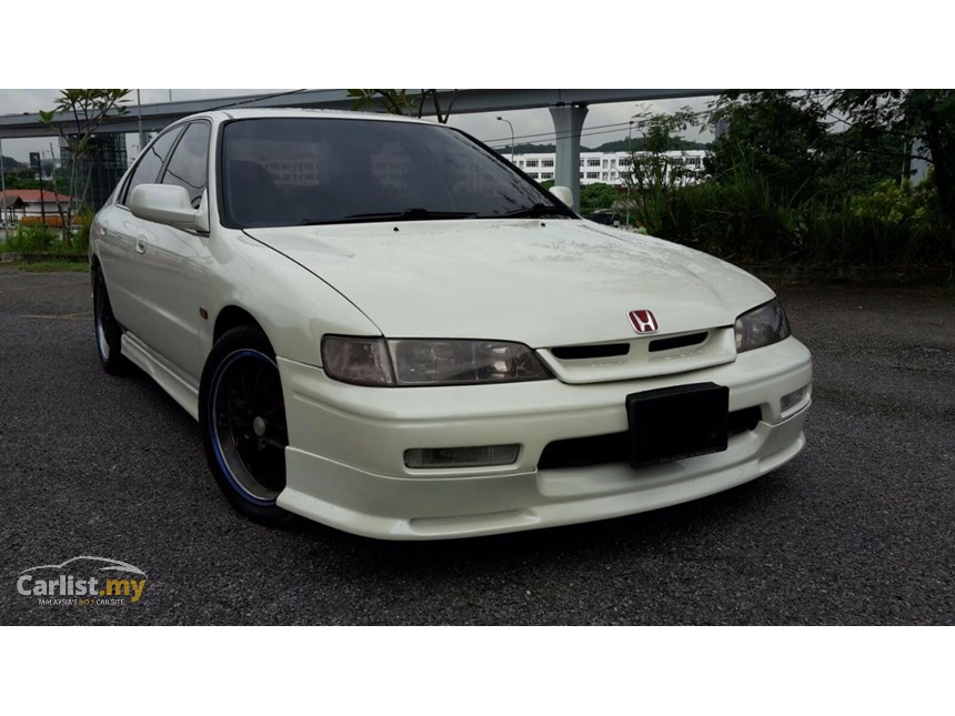 Honda Accord 2.2 1995 photo - 6