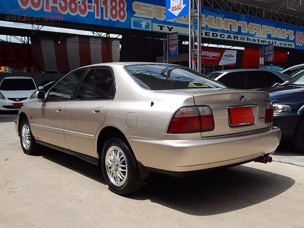 Honda Accord 2.2 1998 photo - 9