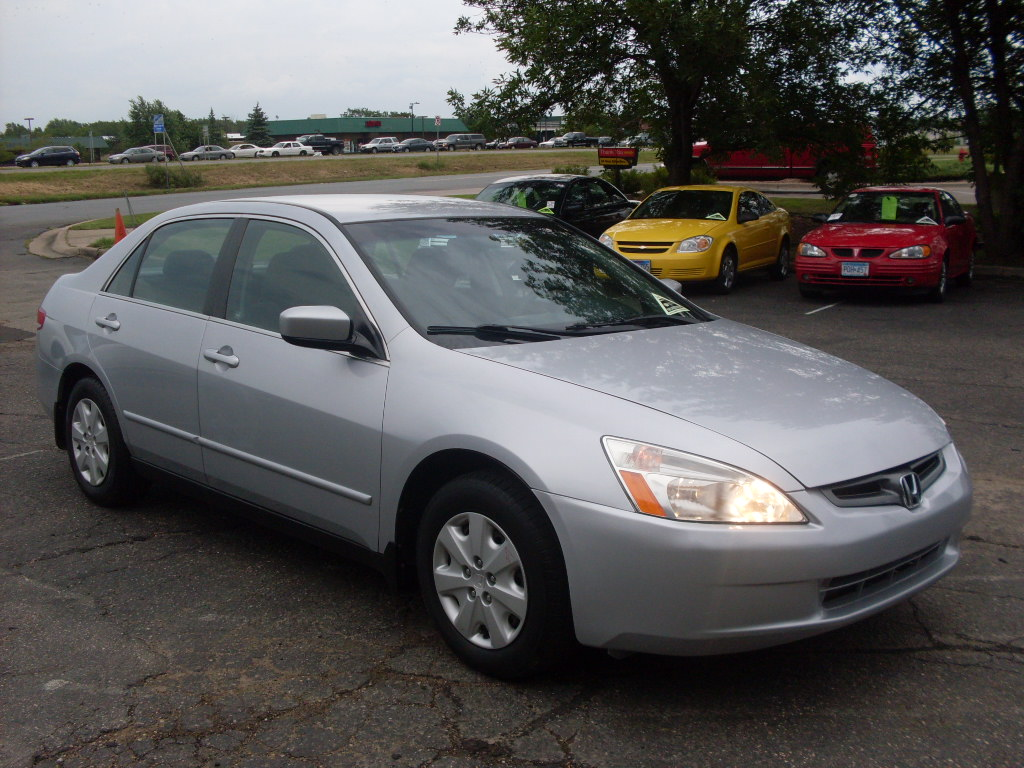 Honda Accord 2.2 2003 photo - 8