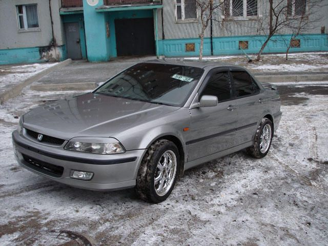 Honda Accord 2.3 1997 photo - 3