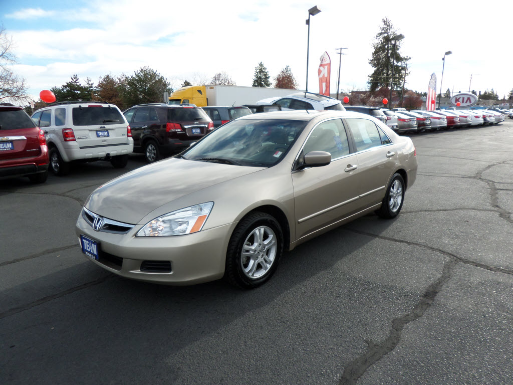 Honda Accord 2.4 2007 photo - 7