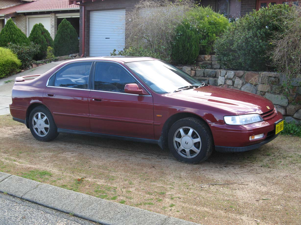 Honda Accord 3.0 1994 photo - 8