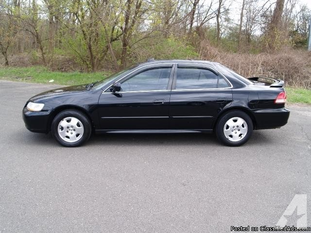 Honda Accord 3.0 2001 photo - 1