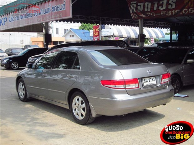 Honda Accord 3.0 2004 photo - 9