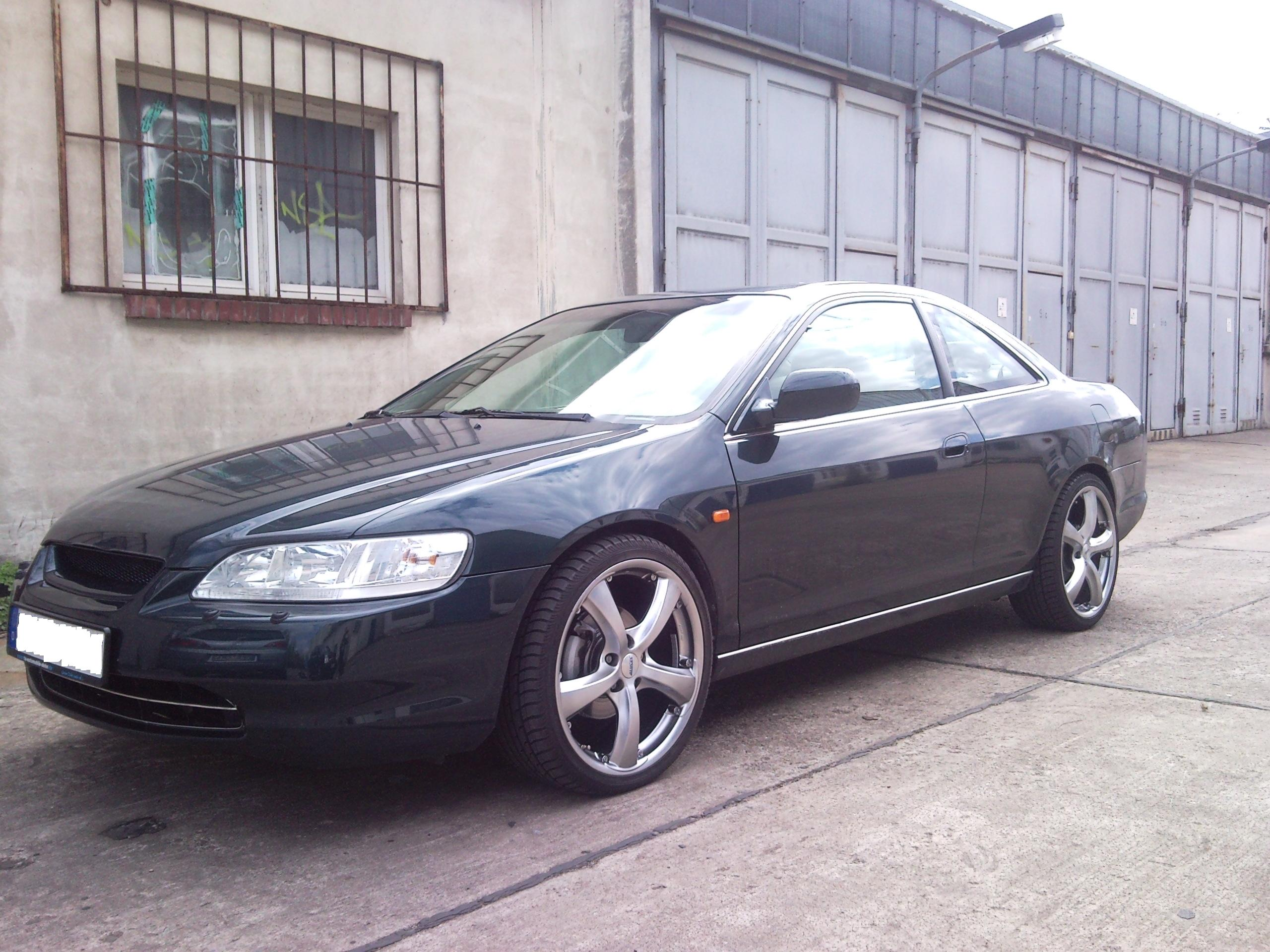 Honda Accord 3.0 2006 photo - 9