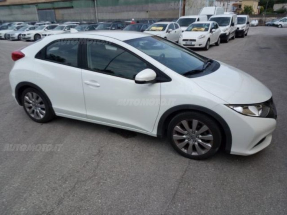 Honda Civic 1.4 2013 photo - 9