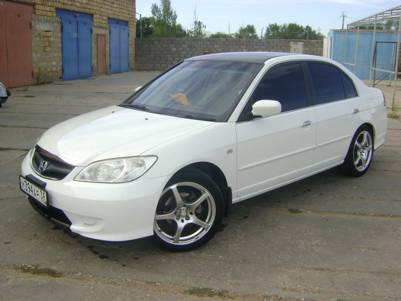 Honda Civic 1.5 2003 photo - 1