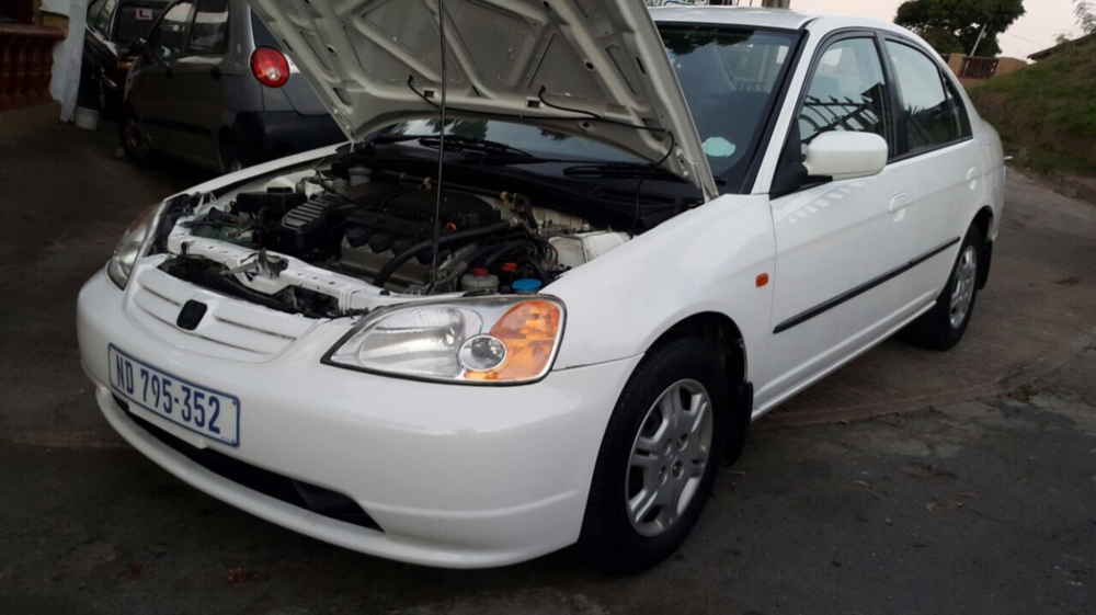 Honda Civic 1.5 2005 photo - 2