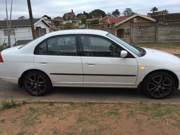 Honda Civic 1.5 2005 photo - 3