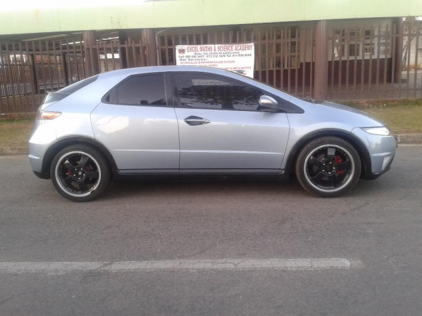 Honda Civic 1.6 2009 photo - 1