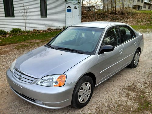 Honda Civic 1.7 2003 photo - 12