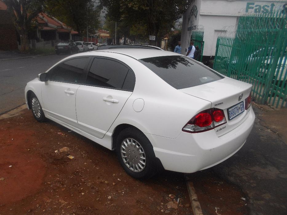 Honda Civic 1.8 2011 photo - 11