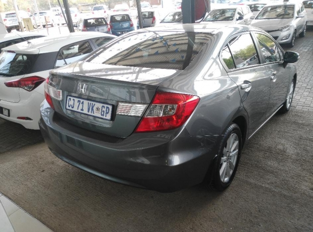 Honda Civic 1.8 2013 photo - 8