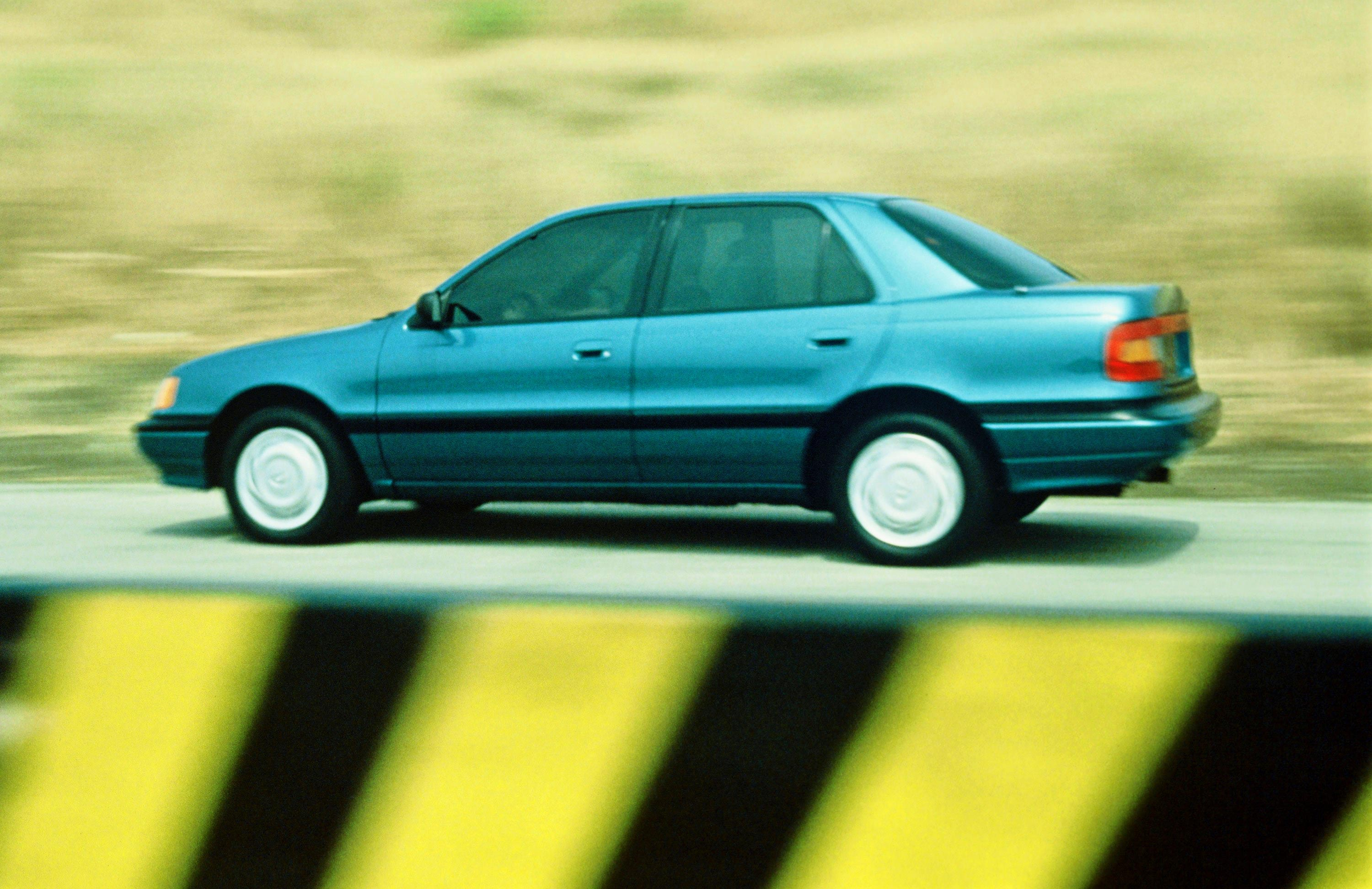Hyundai Elantra 1.6 1992 photo - 2