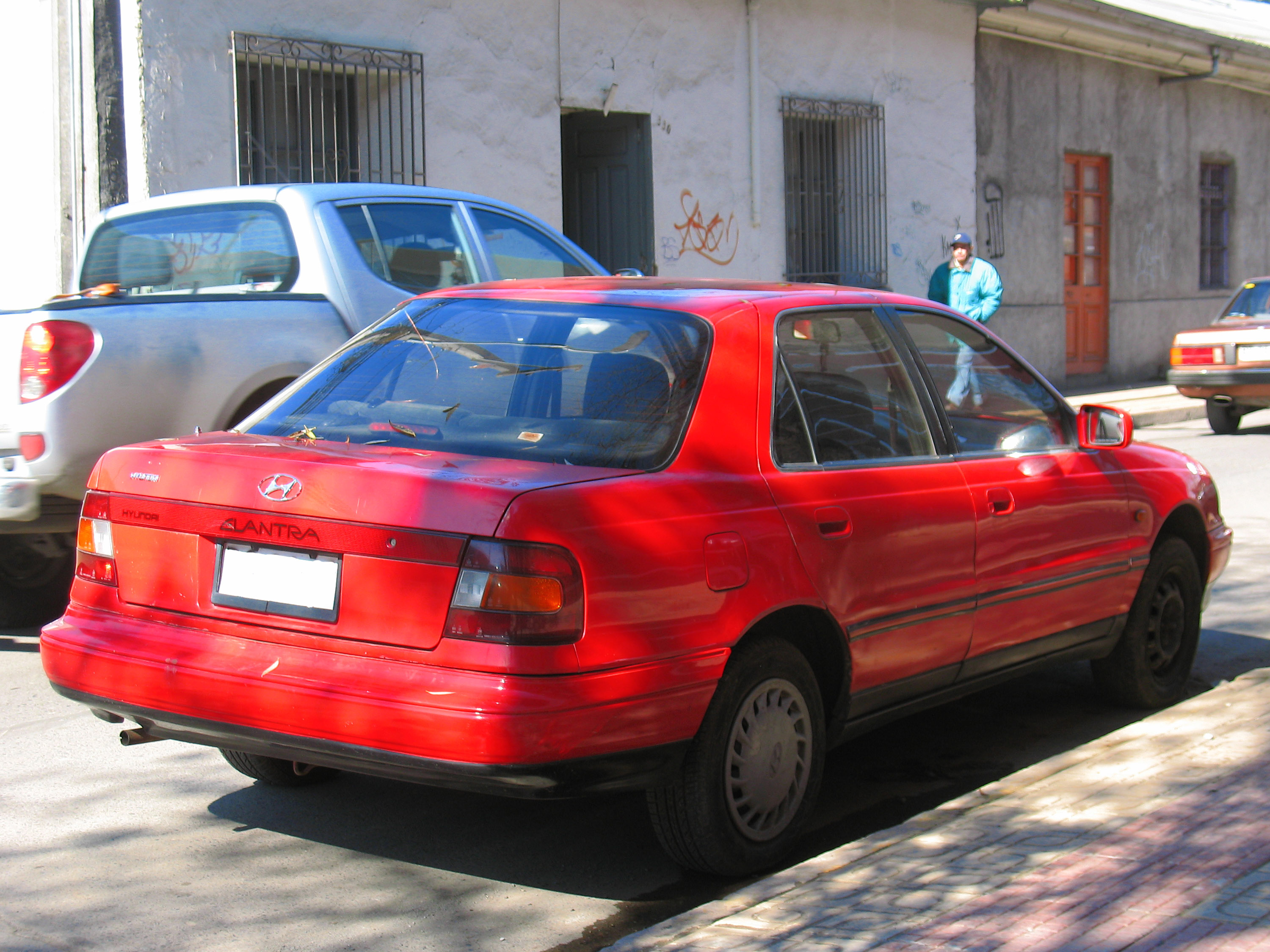 Hyundai Elantra 1.6 1992 photo - 3