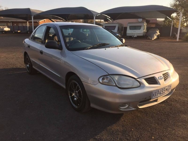 Hyundai Elantra 1.6 1997 photo - 5