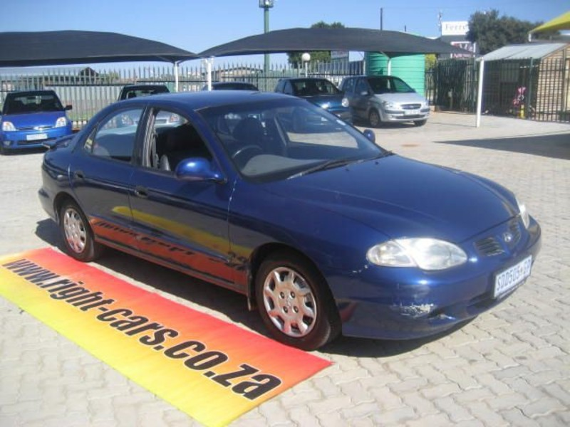 Hyundai Elantra 1.6 2000 photo - 1