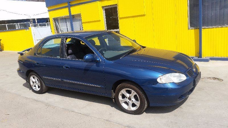 Hyundai Elantra 1.6 2002 photo - 6