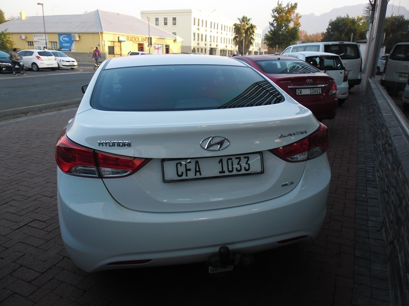 Hyundai Elantra 1.6 2012 photo - 11