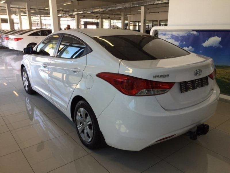 Hyundai Elantra 1.6 2012 photo - 8