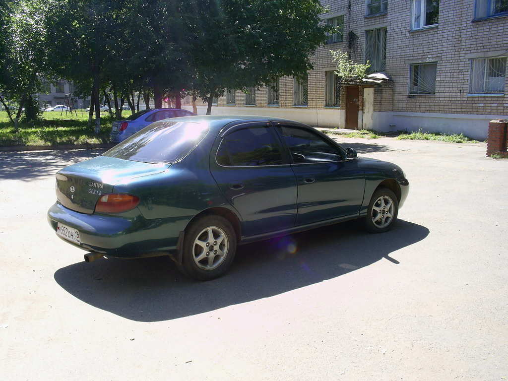 Hyundai Elantra 1.8 1995 photo - 8