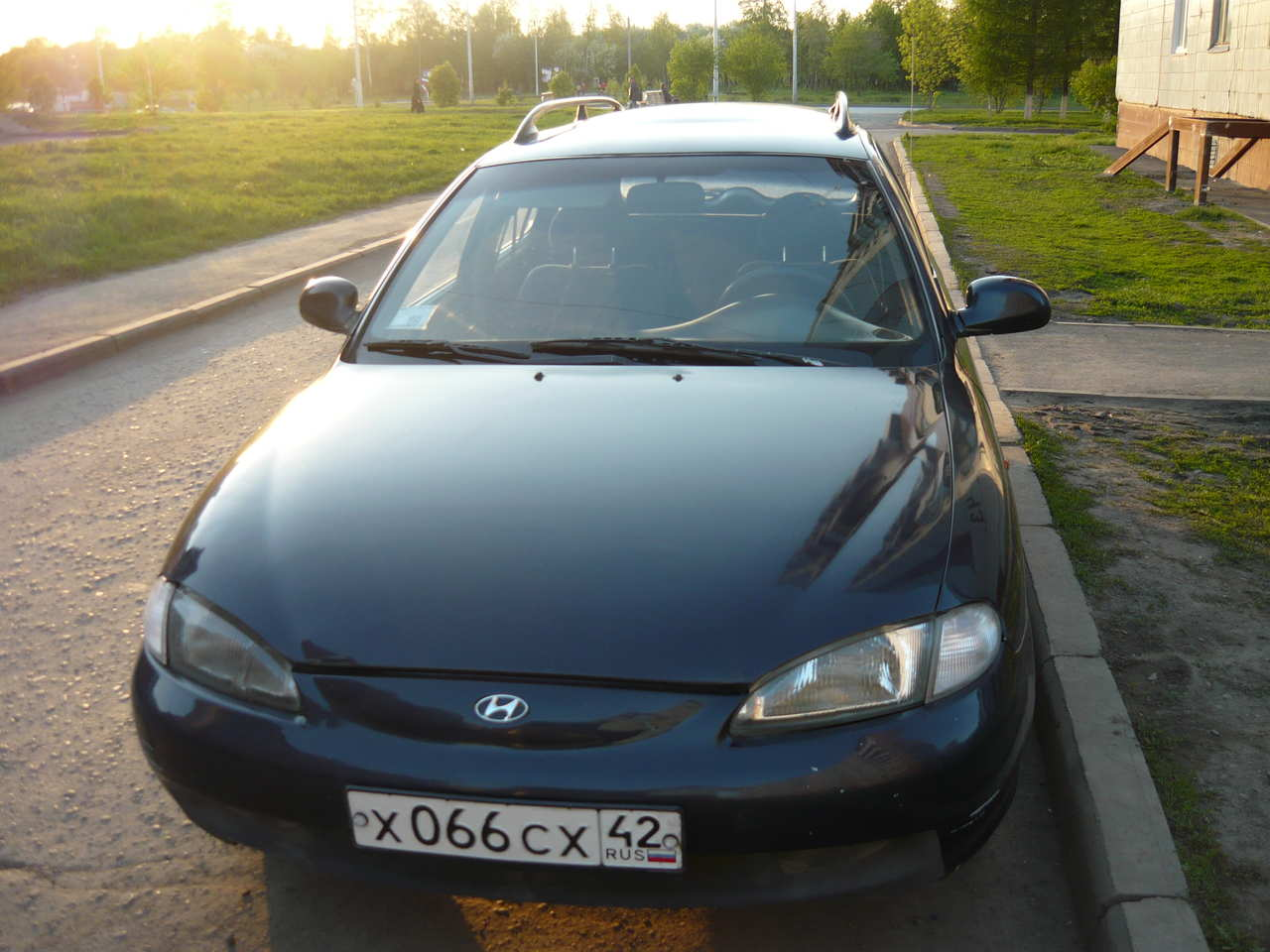 Hyundai Elantra 2.0 1996 photo - 11