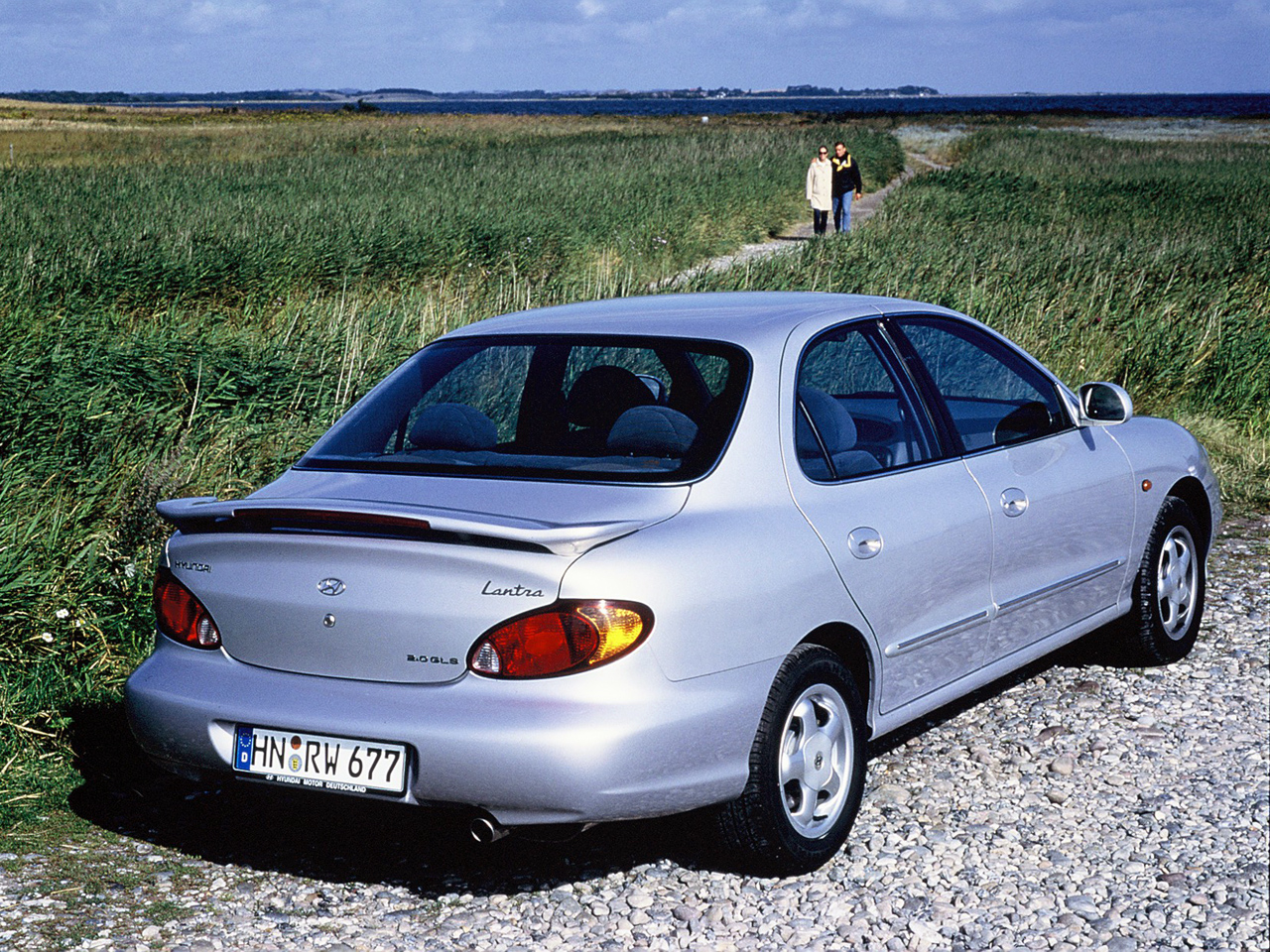 Hyundai Elantra 2.0 1998 photo - 10