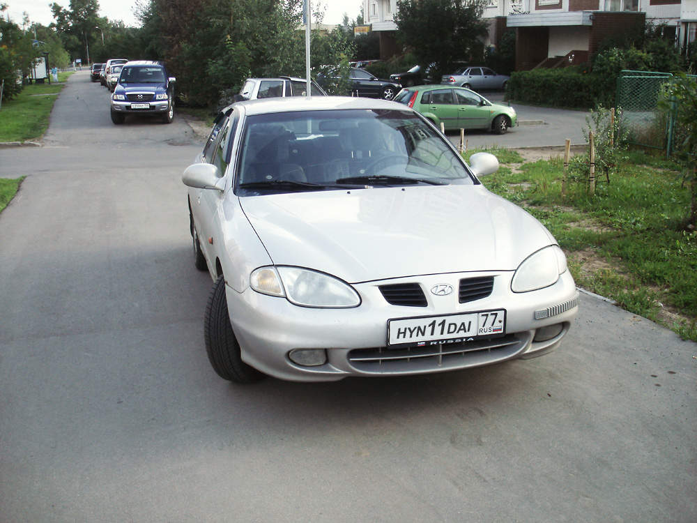 Hyundai Elantra 2.0 1998 photo - 4
