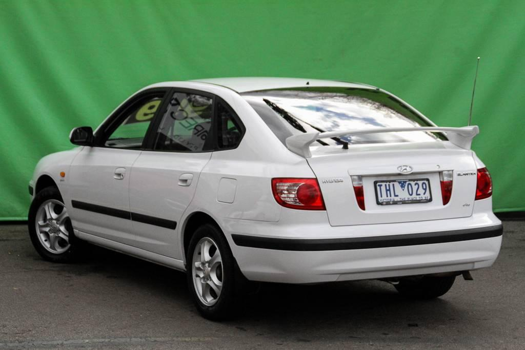 Hyundai Elantra 2.0 2003 photo - 10