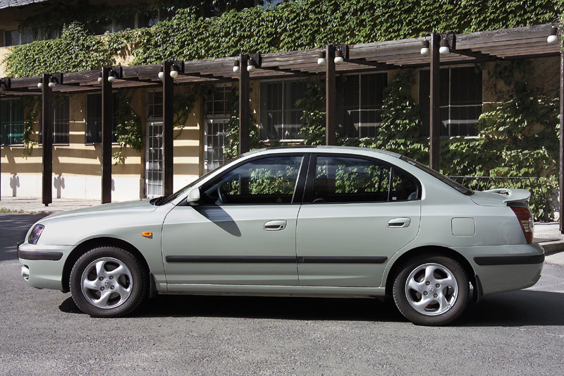 Hyundai Elantra 2.0 2003 photo - 12