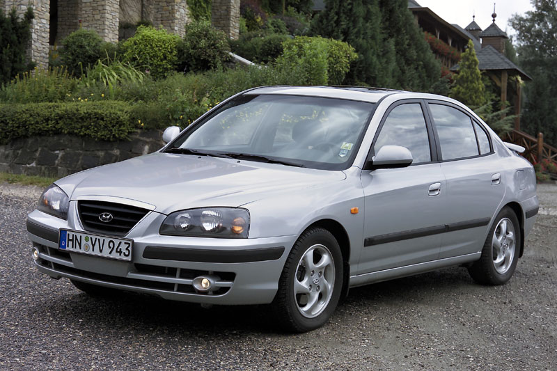 Hyundai Elantra 2.0 2003 photo - 3