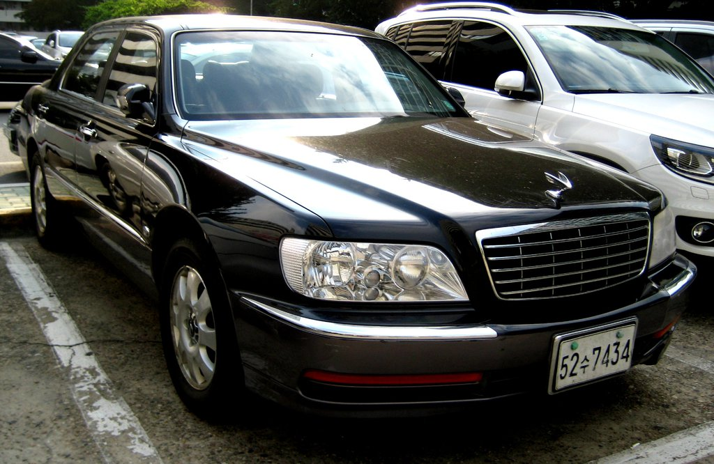 Hyundai Equus 4.5 2000 photo - 4