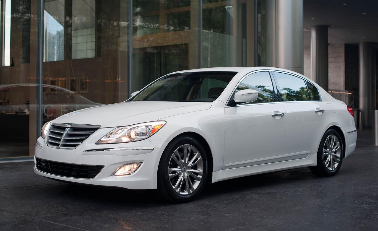 Hyundai Genesis 3.8 2012 photo - 1