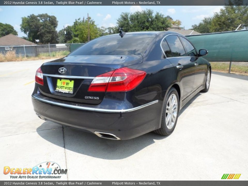 Hyundai Genesis 3.8 2012 photo - 10