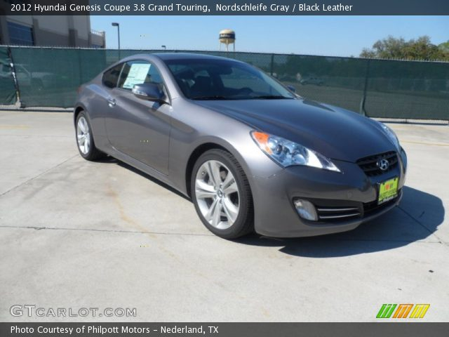 Hyundai Genesis 3.8 2012 photo - 11