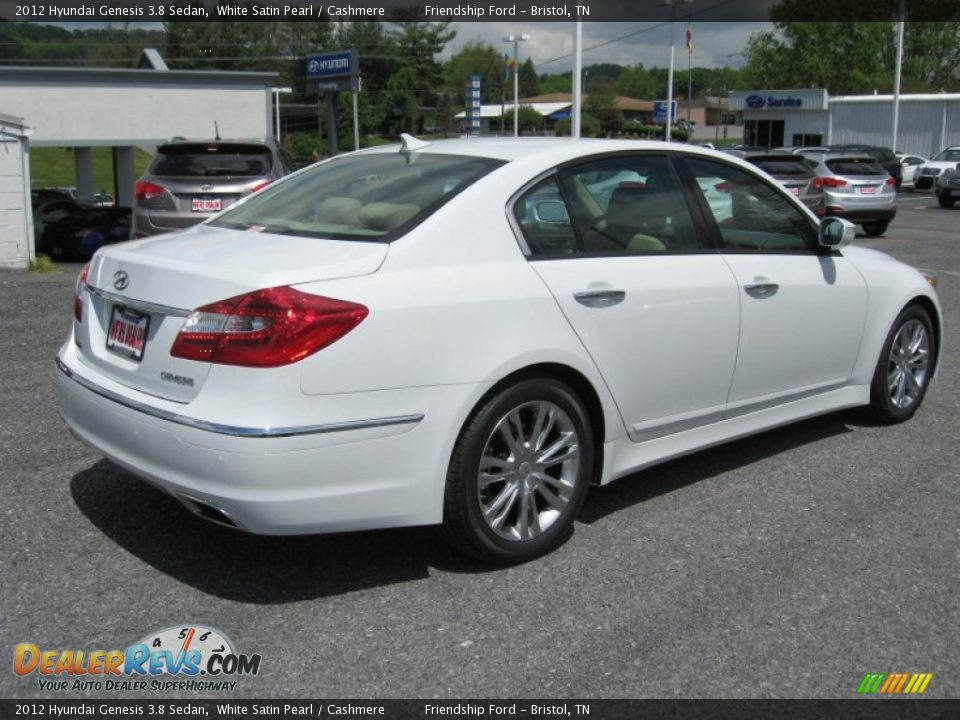 Hyundai Genesis 3.8 2012 photo - 2