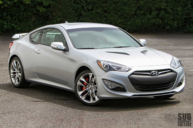 Hyundai Genesis 3.8 2013 photo - 1