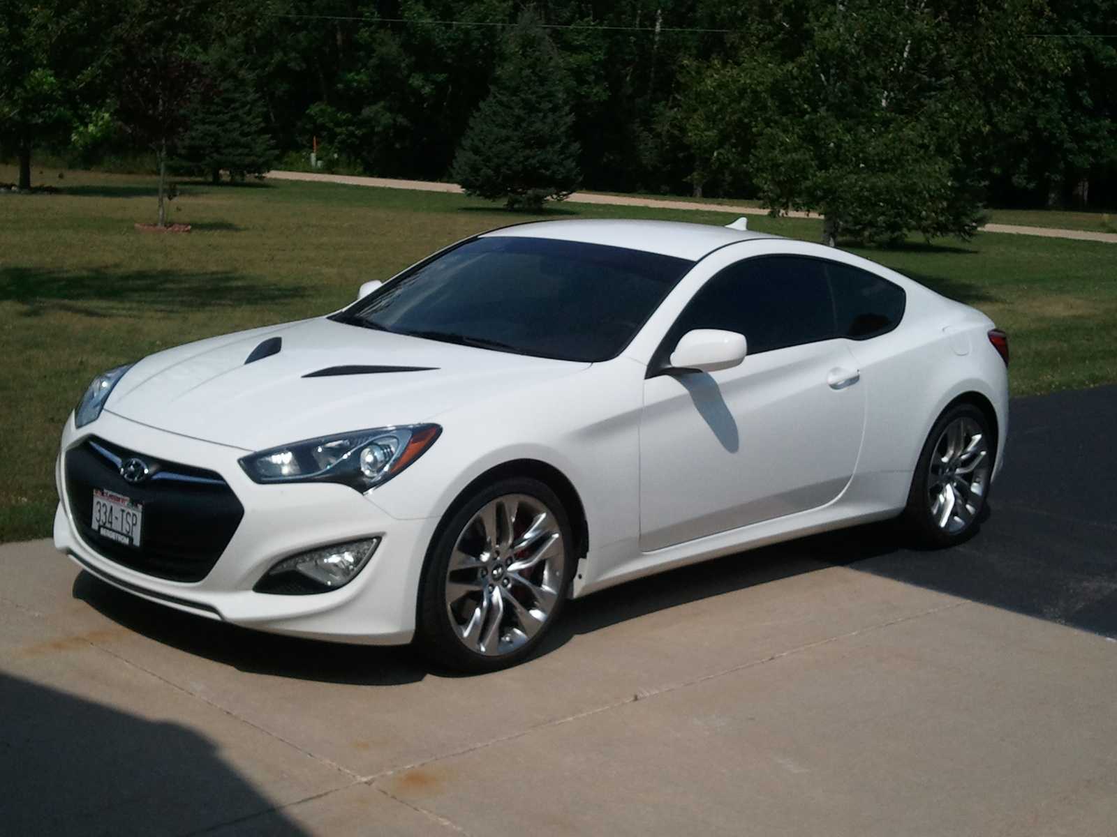 Hyundai Genesis 3.8 2013 photo - 4
