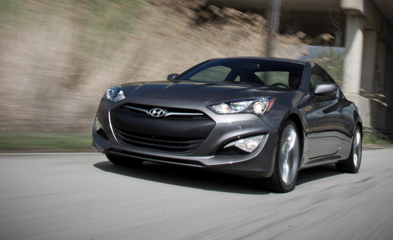 Hyundai Genesis 3.8 2013 photo - 6