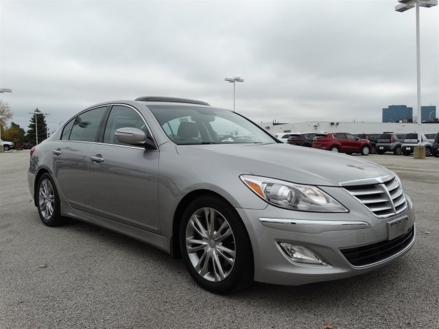 Hyundai Genesis 3.8 2013 photo - 9