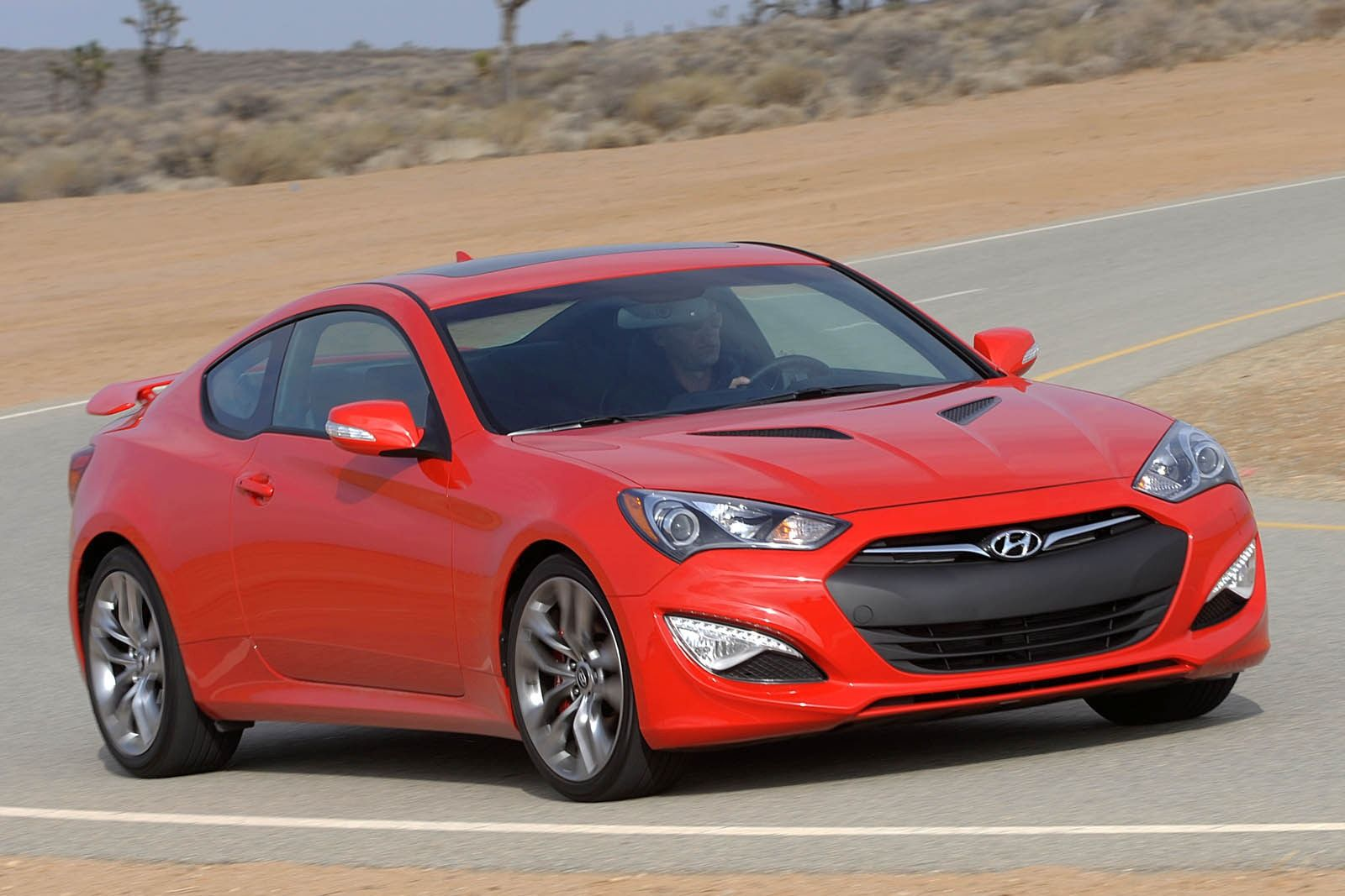 Hyundai Genesis 3.8 2014 photo - 10