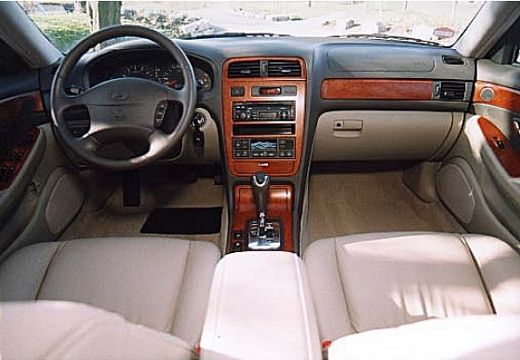Hyundai Grandeur 3.0 1999 photo - 3