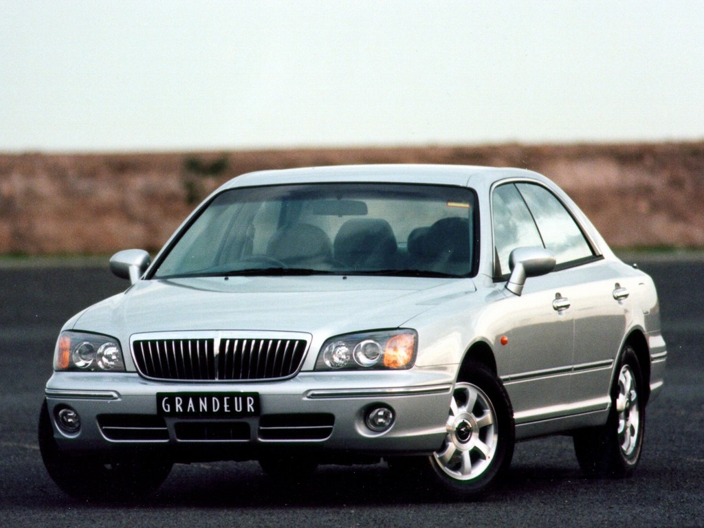 Hyundai Grandeur 3.0 2002 photo - 1