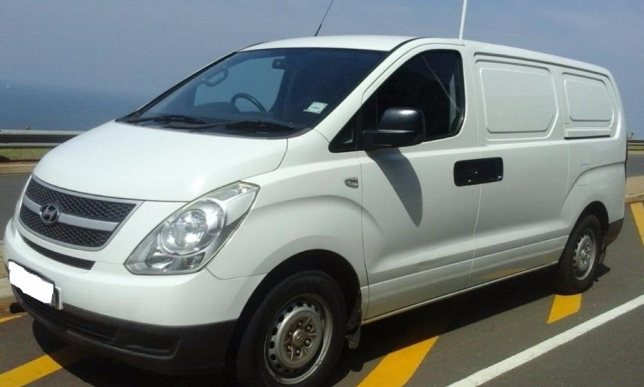 Hyundai H-1 2.4 2009 photo - 12