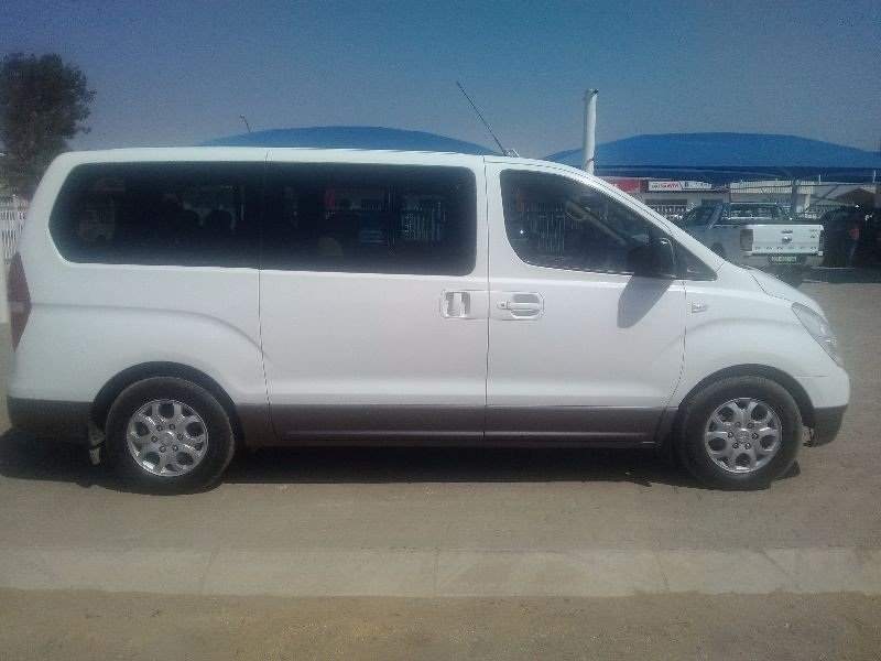 Hyundai H-1 2.4 2009 photo - 3