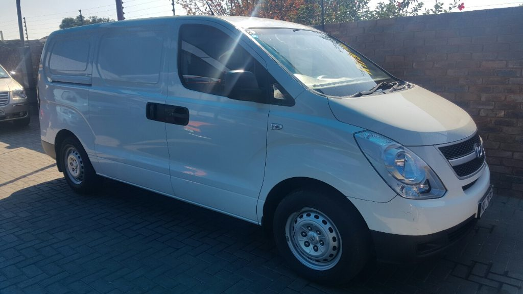 Hyundai H-1 2.4 2009 photo - 4