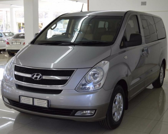 Hyundai H-1 2.4 2009 photo - 6