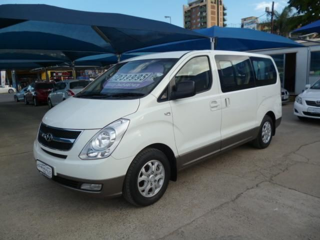 Hyundai H-1 2.4 2009 photo - 9