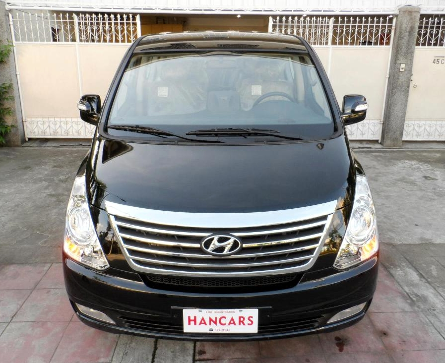 Hyundai H-1 2.4 2013 photo - 11